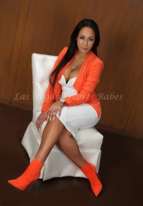 Lasvegasescortsbabes.com- Racey posing her hot ebony body